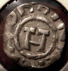 Lucca Silver Denaro 1039 1125   Obverse