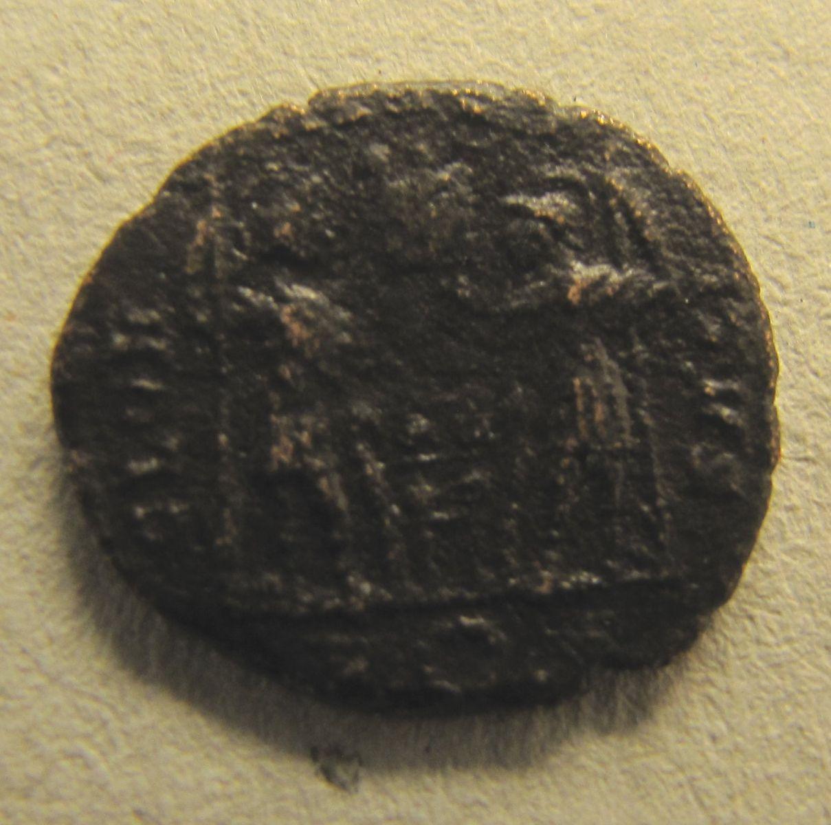 Costantino II - Gloria Exercitus - rovescio