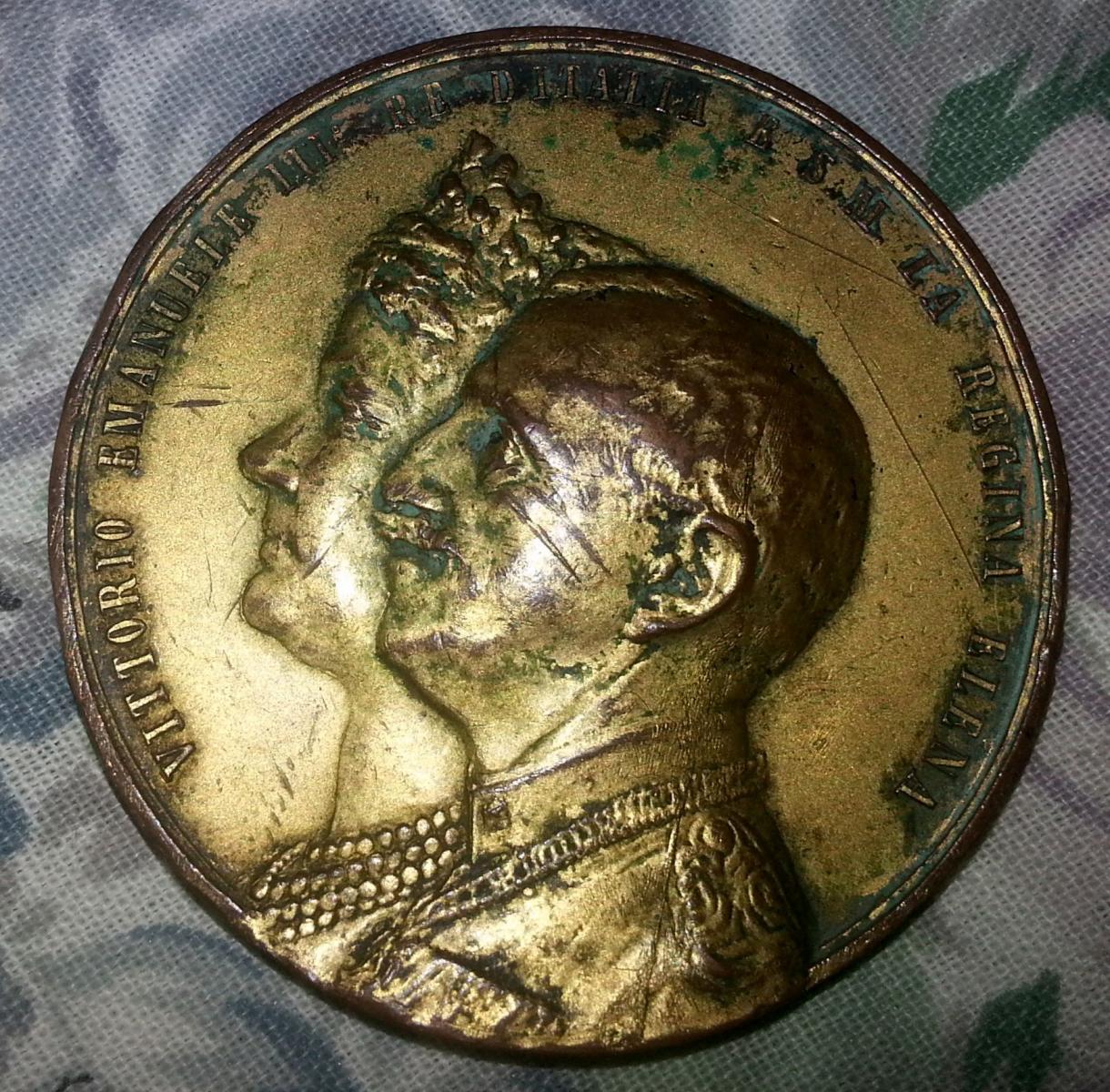 Trovata una moneta medaglia di mio nonno medaglistica for Siti di collezionismo