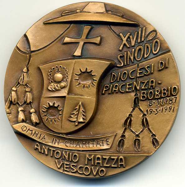 medaglia vescovo Antonio Mazza, Piacenza 1991.jpg