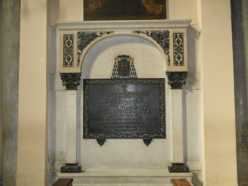 Tomba con lapide del Cardinale Luciano Bonaparte.JPG