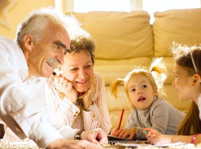 bambini-nonni-giochi-in-casa.jpg