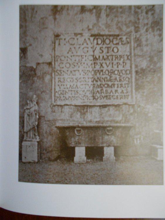 Arco di Claudio , iscrizione.JPG
