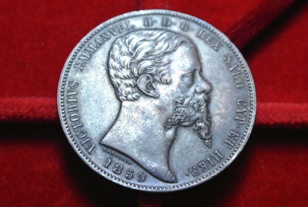 1859 Genova 5 Lire Vitt. Em. II D SPL-FDC (Copia).JPG