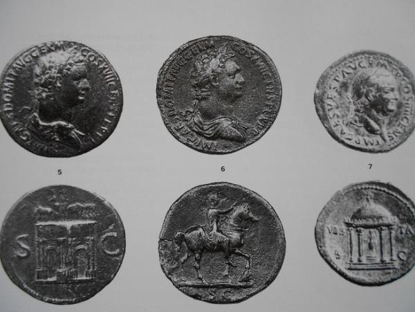 Domiziano , Statua equestre nel Foro.jpg