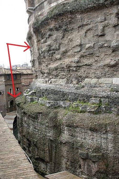 Tamburi del Mausoleo di Adriano.jpg