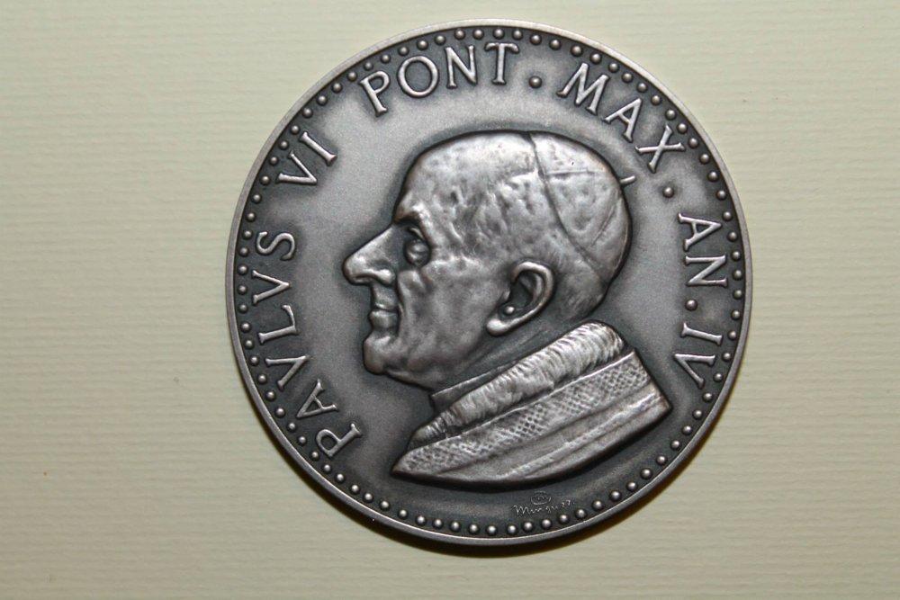 PaoloVI 986 su 1000 Anno IV 1966.jpg