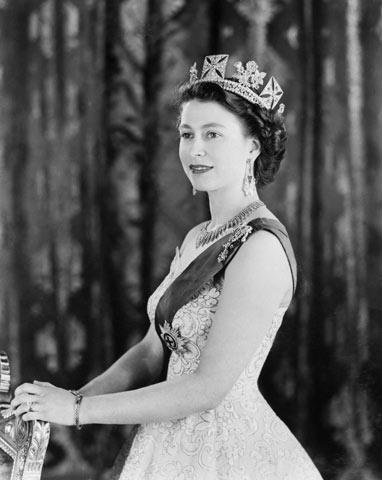 Elisabetta-II-19532.jpg