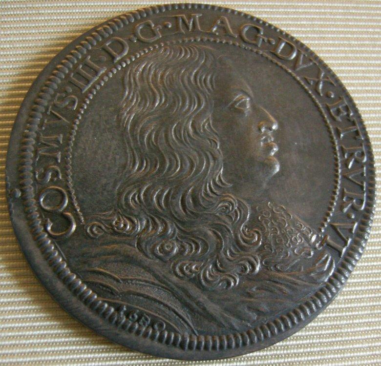 Cosimo_III_granduke_of_tuscany_coins,_1670-1723,_piastra_1680_resized_20171013_030713417.JPG
