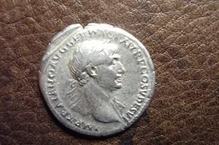 Denario Traiano Vittoria Dacica D Modificato.jpg