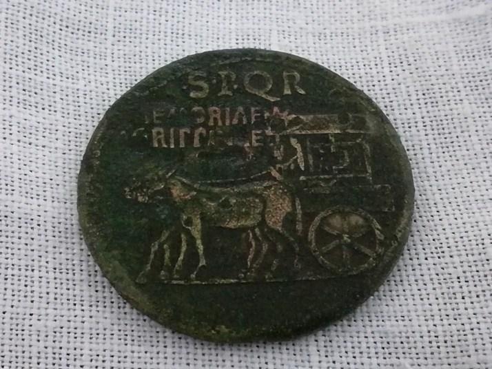 sesterzio Agrippina verso.jpg