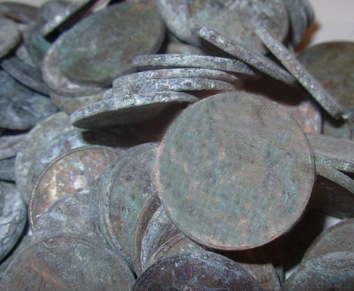 coins-pennies.jpg.bc8afe6463039f5497b6ede37c2bcefd.jpg