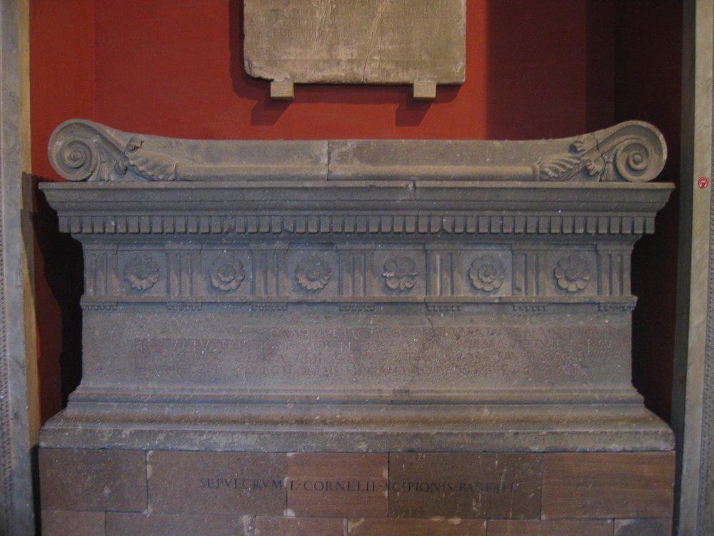 Sarcofago di Lucius Cornelius Scipio Barbatus.jpg
