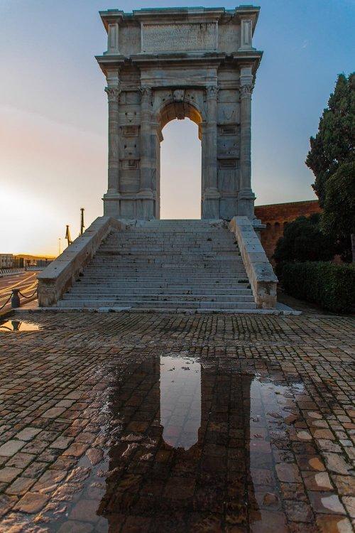 Arco di Traiano ad Ancona.jpg