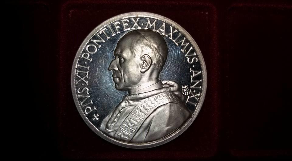 Pio XII, Anno XI, 1949 ag 986 1000.jpg