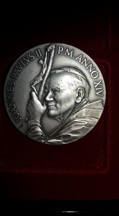Giovanni Paolo II, Anno XIV 1992 ag 986 1000.jpg