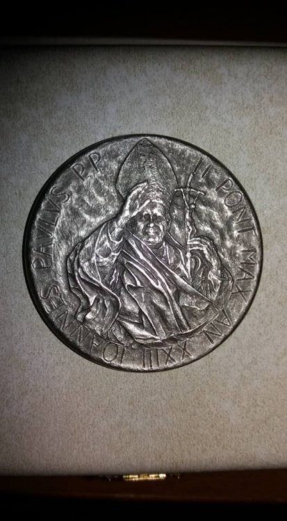 Giovanni Paolo II, A XXIII, 2001 ag 986 1000.jpg