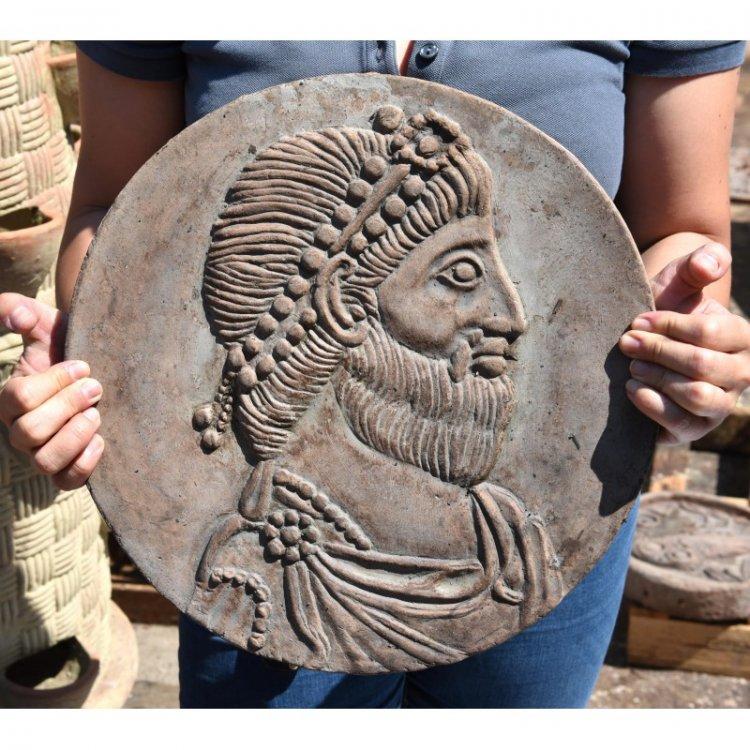 tondo-bassorilievo-terracotta-giuliano-apostata.thumb.jpg.81aa37bac878be845d6c9f53fbb852c5.jpg