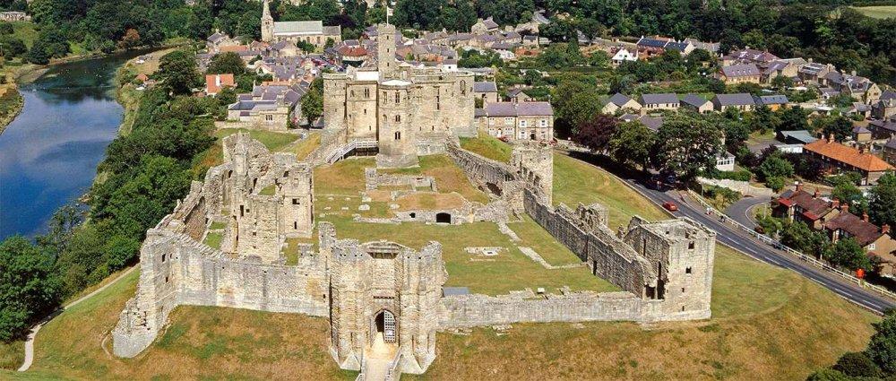 warkworth-castle-aerial_0.thumb.jpg.fa3b77deb231491975ba04f8c9067380.jpg