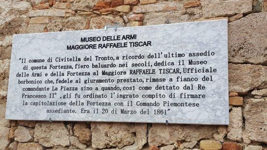 targa-museo-delle-armi.jpg.ef114640901c74722737554e02745386.jpg