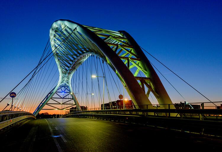 Ponte-Settimia-Spizzichino-Roma.jpg