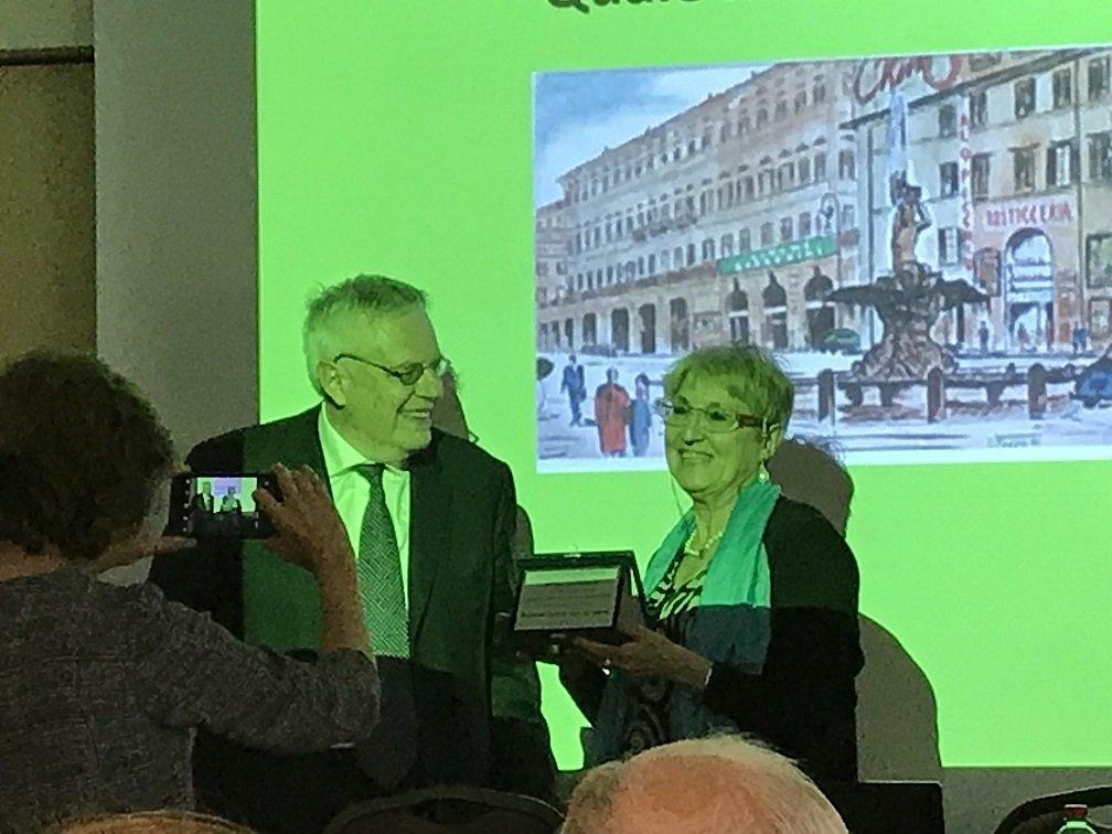 Consegna Targa a Prof,ssa Lucia Travaini , 5 giugno 2018.jpg
