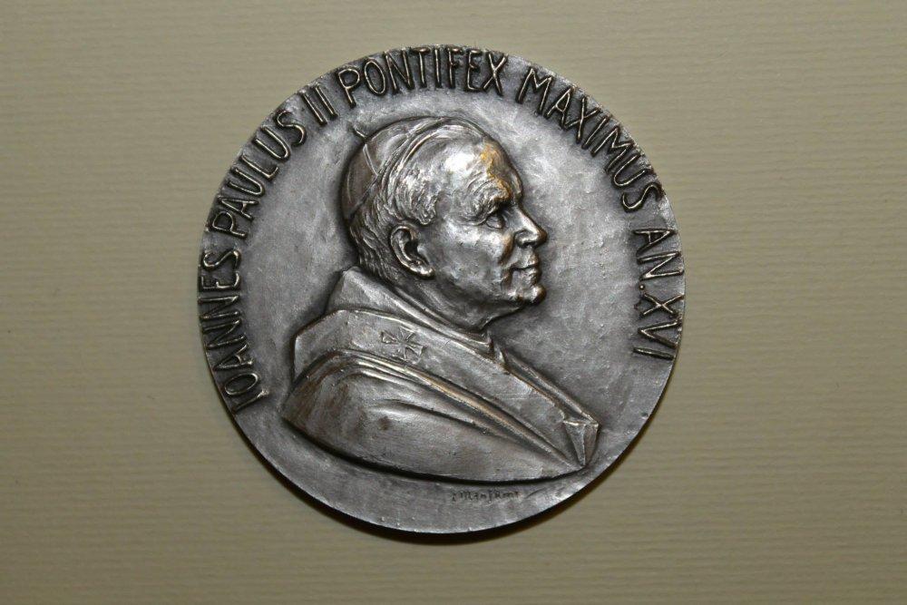 Giovanni Paolo II 986 1000, anno XVI - 1994.jpg