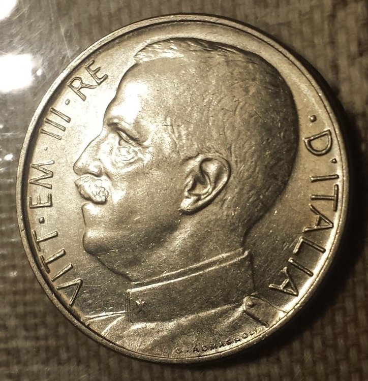 50 cent 1919 liscio re.jpg