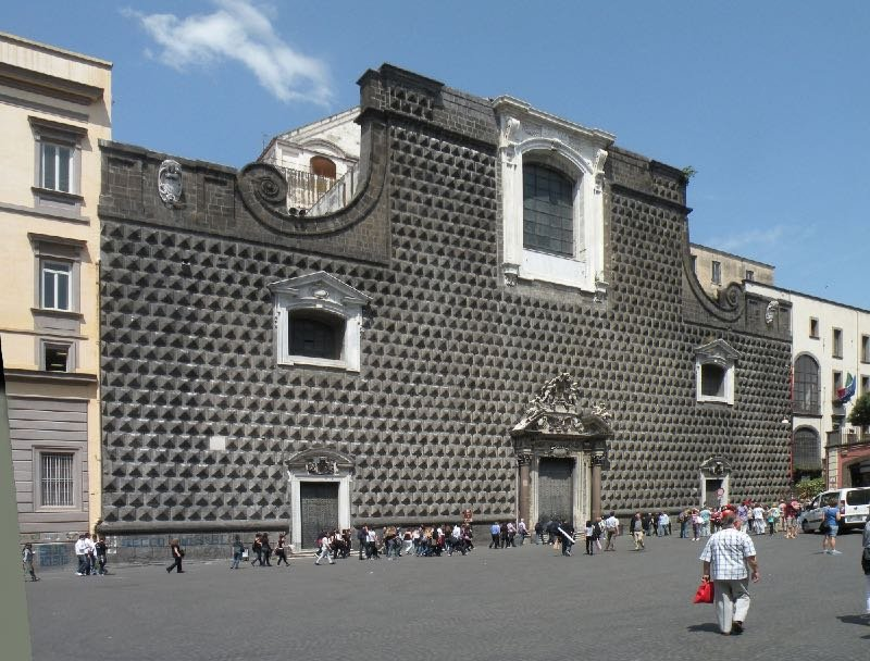 Musica-Facciata-Chiesa-del-Gesu-Napoli-2.jpg