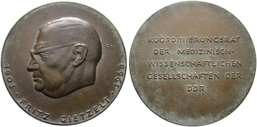 RX1.ddr-bronzegussmedaille-o-j-von-5018608-XL.jpg.9e6fb849ac832dfd0fdf62fd4f8ccedd.jpg