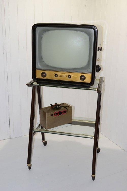 Televisione-Telefunken-anni-50-01l.jpg