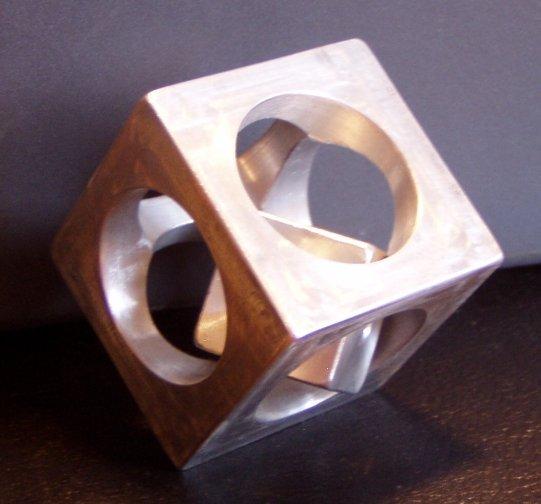 cubi.jpg.d22eec776f880ea68f8f4d6fecfed038.jpg