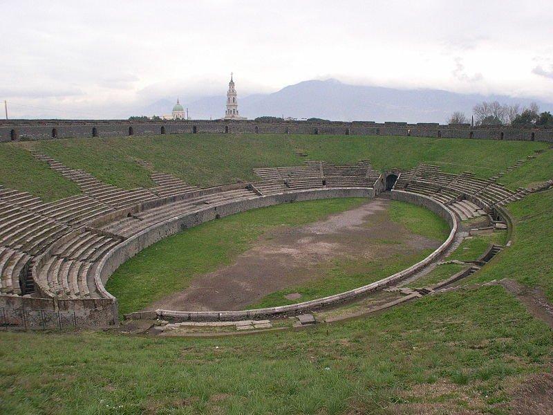 800px-Pompeii_amphitheatre_interior.jpg