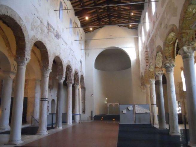 304 Brescia San Salvatore interno_.jpg