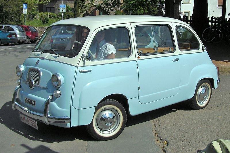Fiat_600_Multipla.jpg.93bf9f7f1a2d11283f059994270d4db4.jpg