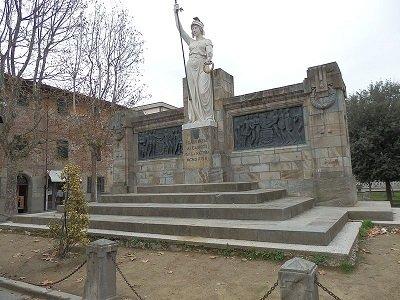Cascina-monumento.jpg