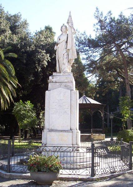 Statua_italia_cosenza.jpg