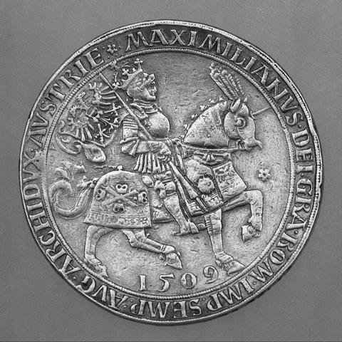 1024px-Presentation_Coin_(Doppelguldiner)_Showing_Maximilian_I_(1459–1519)_MET_67169.JPG