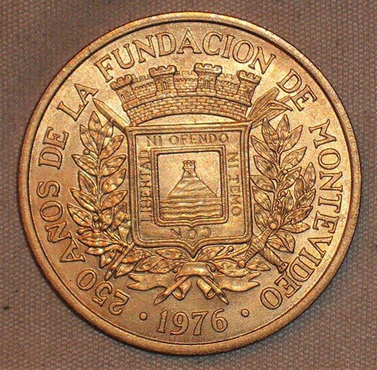 5 nuovi pesos 1976 d.JPG