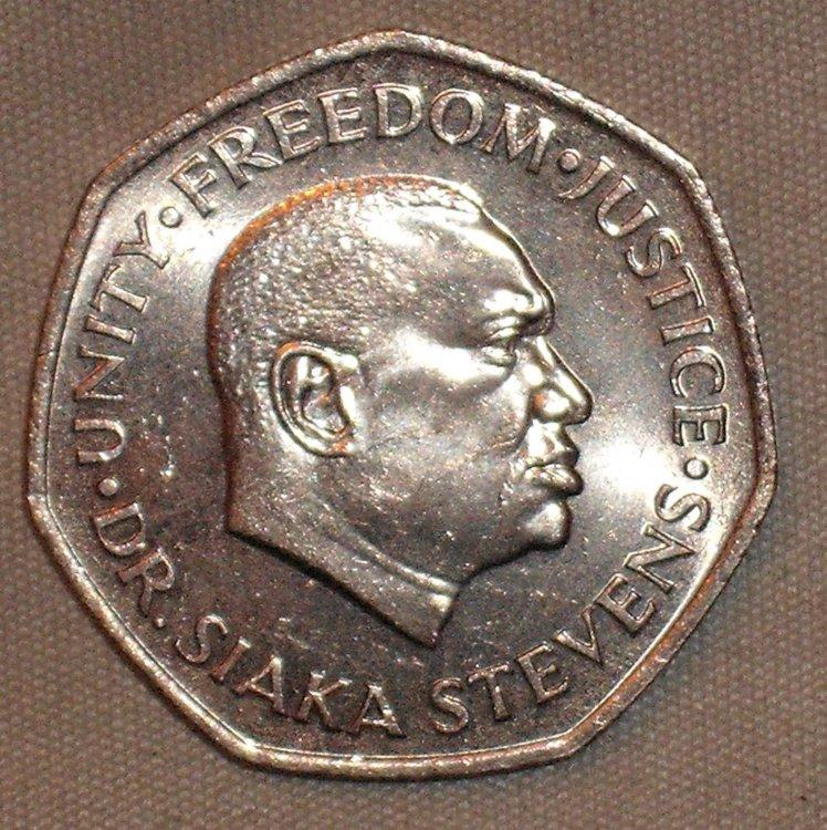 2 Leones 1976 r.JPG