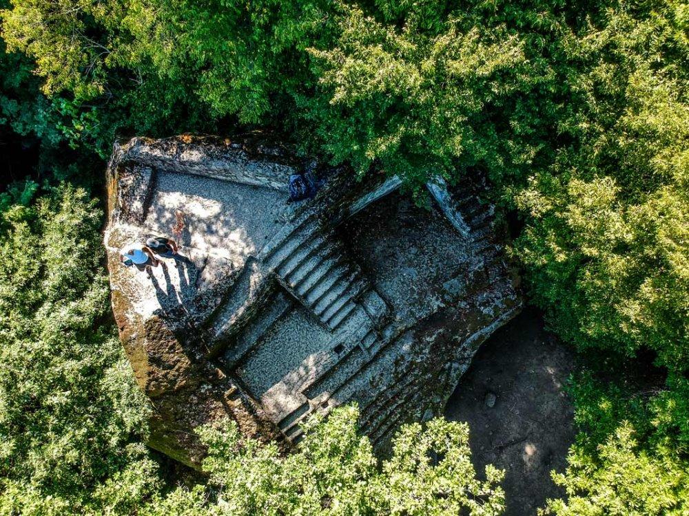 misteriosa-piramide-etrusca-01.jpg