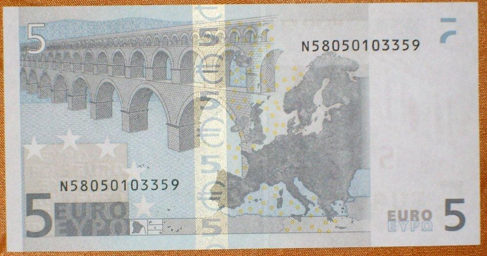 5 euro duisemberg_ r.jpg